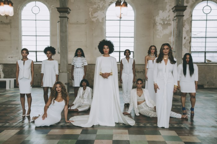 Solange-Knowles-and-her-bridesmaids-Wedding-Portrait-700x466